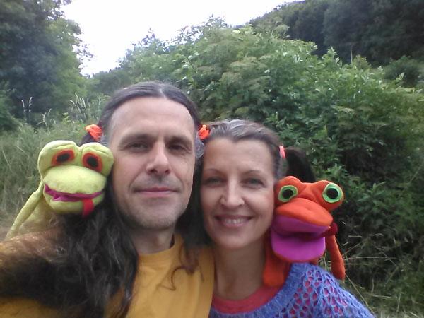 Šťastní lidé a šťastné žáby