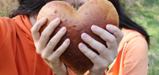 Šťastní lidé pečou chleba