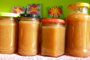 Jablečná marmeláda s vanilkou a kávou
