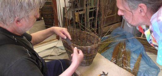 Pletení košíků ukázka