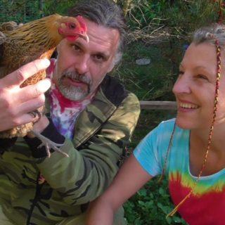 Vítek a Mína Šťastná chov slepic